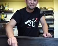 元阪神・桟原将司さん(38)は大阪・北新地で「とり焼き さじ」を営む