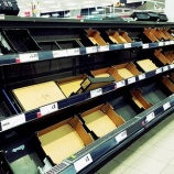 『異常気象により英国のスーパーで野菜が品薄価格高騰』の画像