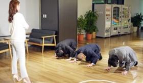【日本文化】  ああ、日本人よ・・・。「土下座オリンピック」による、いろんなエクストリーム日本謝罪を見てみよう。  海外の反応