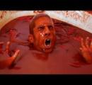 【動画】正気じゃねえ! チリソース1250本分の風呂に入った男がクレイジー