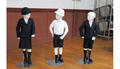 東京の公立小学校にアルマーニ標準服を導入【海外の反応】