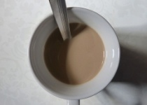 お前らが牛乳と割って飲む物「珈琲」「ココア」「カルピス」「紅茶」?