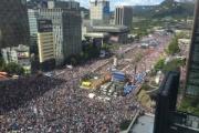 韓国で文在寅大統領・チョグク法相の弾劾求めるデモ 500万人参加wwwwwwwwwwwww