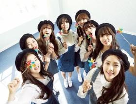 【悲報】K-POPの新人女性グループ、米空港で売春疑いで8人全員拘束される