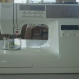 『小学生の裁縫が大好きな女の子に家庭用刺繍ミシンをお買上げいただきました!』の画像