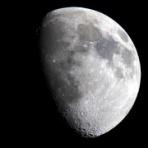 星は空の彼方、月よりも遠く