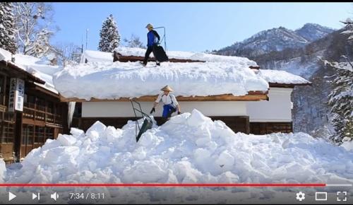 長野の雪下ろし映像が外国人に大人気「凄い雪だ」「耐えられる屋根も凄い」