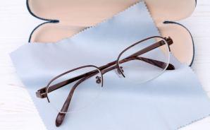 メガネを拭くときに使う