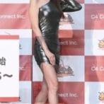 【悲報】深田恭子(39)さん「え、こんな服着るんですか?まぁ別にいいけど…」