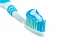 天才ワイ「どうせ引きこもりだし歯って磨かなくてもいいのでは?」