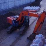 『工事中のショベルカ-に賛同;孫の姿』の画像