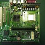 『DELL Dimension2300Cマザーボードの コンデンサ交換手術』の画像