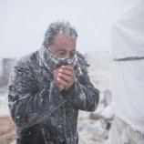 『厳しい冬の中 劣悪な環境で暮らす難民は命の危険と隣り合わせ』の画像