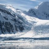 『南極にある不気味な入り口は宇宙人の秘密基地だった』の画像
