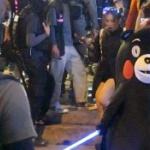 【香港】「くまモン」が出動!香港警察に対し敢然と対峙する「くまモン」 [海外]