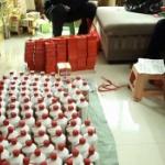 【動画】中国、高級酒マオタイ酒のニセ酒製造、正品のボトルに別の酒を充填し販売 [海外]