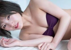 AKB48岡田奈々ちゃんの最新水着グラビアがエッチしたい雰囲気でエロいと話題に