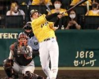 阪神中谷将大外野手がプロ10年目で初の満塁本塁打を放った。