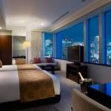 『【経済の仕組み】ホテルさん「五輪中は1泊10万円でも予約満室やで~wwww」なお現在…』の画像