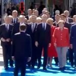 【動画】マクロン仏大統領がトランプ米大統領に対して、まさかのフェイント! [海外]
