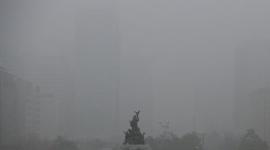 【韓国】PM2.5で視界ゼロ、クリスマスも灰色の空へ