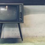 有識者「テレビの音量を10以上にしてる人は耳の老化が始まっている」