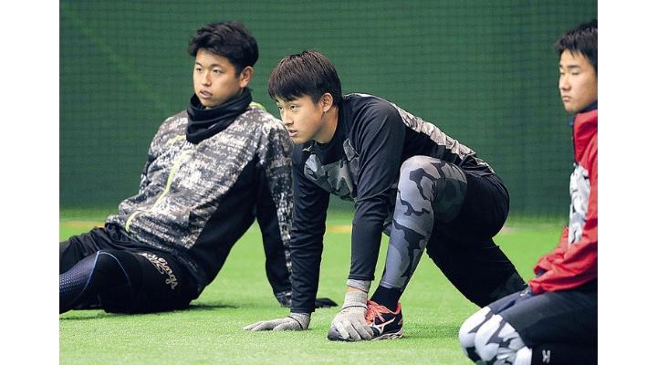 ドラ1堀田ら新人3選手「菅野さんは人間じゃないと思います」