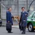 海外「映画にできそうだ」弓を持って旅行する日本の弓道家の写真を見た海外の反応