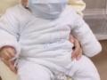 【画像】中国人、赤ちゃんにもマスクを着用させ衛生意識の高さを見せつける
