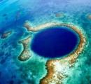 カリブ海の巨大陥没穴「グレートブルーホール」、海底探査で謎解明へ