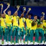 五輪サッカー「金」ブラジル、メダル授与式で中国スポンサーの公式ウエアを着用せずナイキ!
