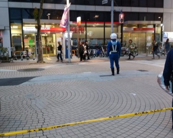 小岩駅前で殺傷(殺人)事件 犯人は逃走中で通り魔の可能性も・・・被害者と加害者は共に中国人との声も(現場画像あり)