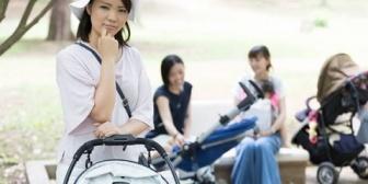 来年幼稚園だけどママ達とバス停で過ごすのキツそう。自分で自転車送迎が気楽なんだけど…