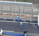 大阪の道路に冷凍カツオ散乱 運転手「5トンくらい落ちた」