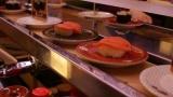 パッパ「かっぱ寿司で家族用に寿司詰めるで」 ワイ「うん」パッパ(素手で汗ごしごし)