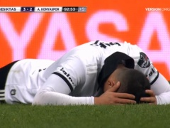 【 動画 】香川真司の劇的ゴールが決まった瞬間、崩れ落ちるチームメイトのアドリアーノw