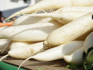 有能みそ汁大臣ワイ、具に根菜を使うことを禁止する法案を提出