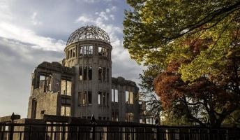 第二次世界大戦て、なんでアメリカ原爆落としてきたの?