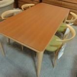 『【北欧テイスト・日進木工の家具2012】SOLA テーブル・NT-130-Bにチェア・NBC-442をセット』の画像