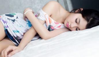【心理学】第二次世界大戦中に米海軍が開発した「2分以内に眠りにつく方法」とは?