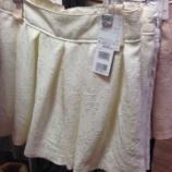 『スカートとショートパンツ』の画像