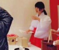 【欅坂46】ねるの神社で巫女さんのバイトをした時の写真キタ━━━(゚∀゚)━━━!!