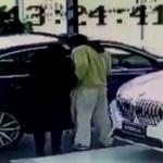 【動画】中国、販売店で新車に傷付けた22歳男「親が新車買ってくれるって約束した。」 [海外]