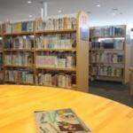 図書館の受付の人ってよく来る人覚えてんのかな?