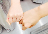 【AKB48】まゆゆが隙あらばゆきりんの小指を折ろうとしてる件
