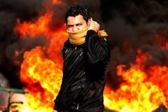 【速報】Sun紙のエジプト革命の抗議者が格好良すぎる件 どこの映画だよ