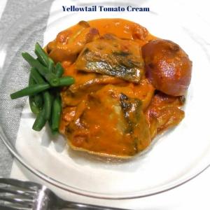 まるでチーズフォンデュみたい!鰤とタマネギのトマトクリーム煮