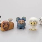 人気陶芸作家「リサ・ラーソン」作品のミニチュアフィギュア第4弾がガチャに登場