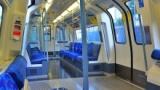 電車内アホ「…ッケェ…目の前の席空いたのに座らない俺カッケェ…」