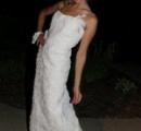 トイレットペーパー製花嫁衣裳コンテスト、優勝は蝶のドレス